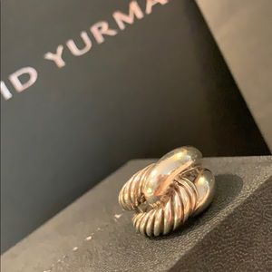 Authentic YUTMAN sterling ring. Six.